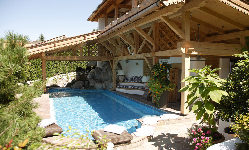 Holzhütte Luxus Pool