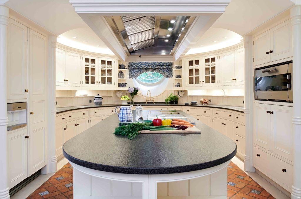 Luxus Villa einrichten Küche
