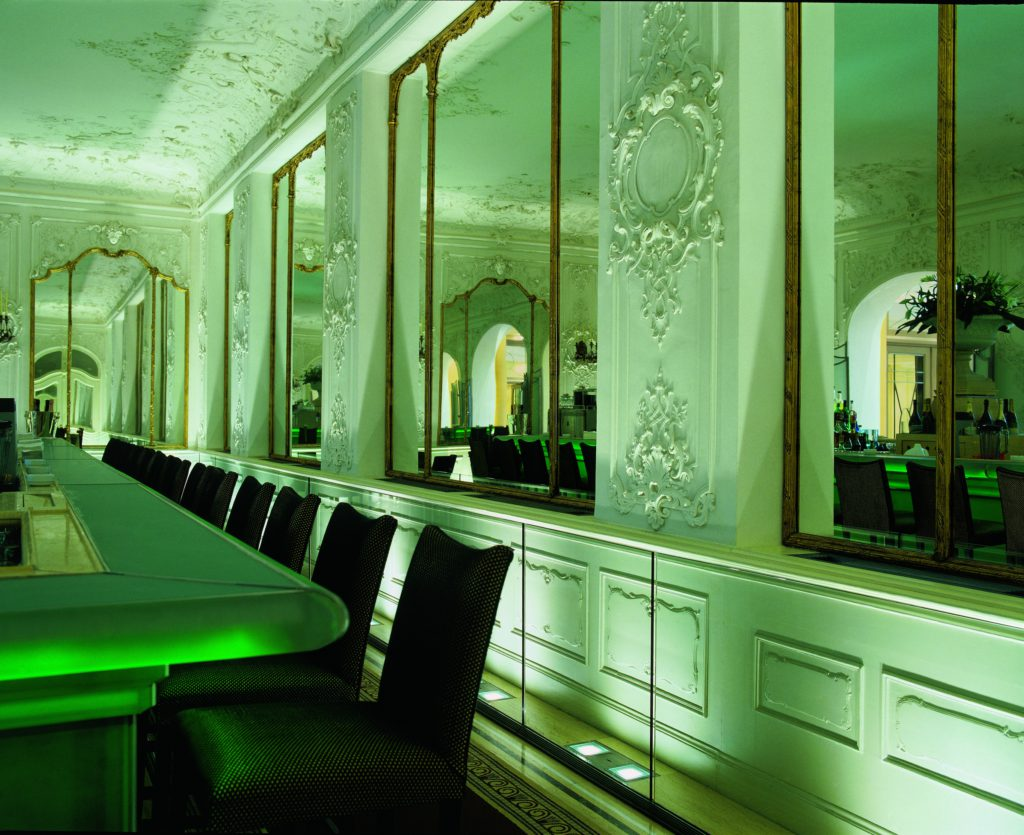 Hotel Bayerischer Hof Falks Bar grün