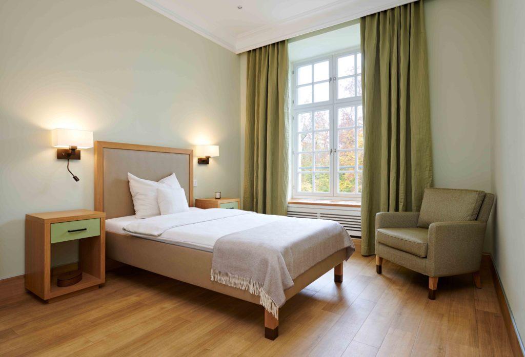 Psychosomatische Klinik Kloster Dießen Zimmer grün